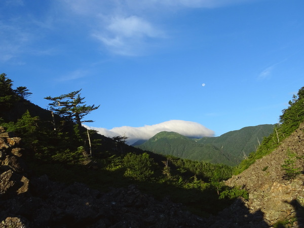170810_looking_back_from_sensui_pass_600